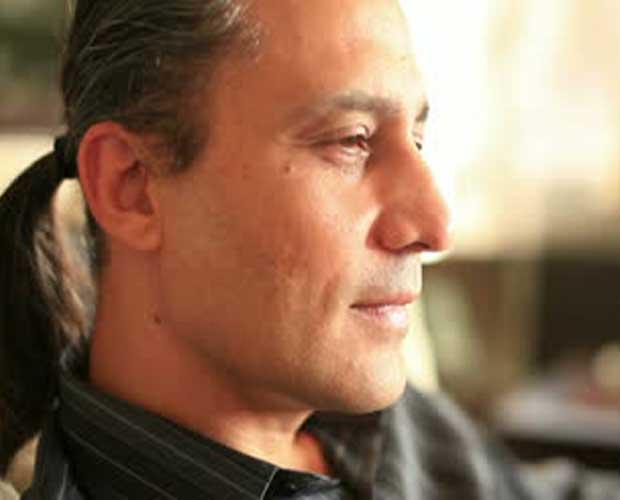 <em><strong>Michel Ronner</strong></em>-Bergenfield, N J